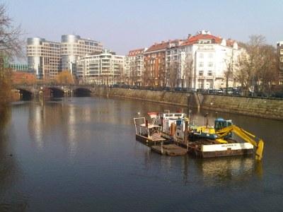 This morning in Berlin in Moabit near Bellevue on the Spree