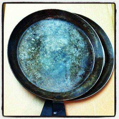 Seasoned carbon blue steel crepe pans
